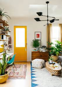 how to live in small spaces colorful decorating ideas for small living room