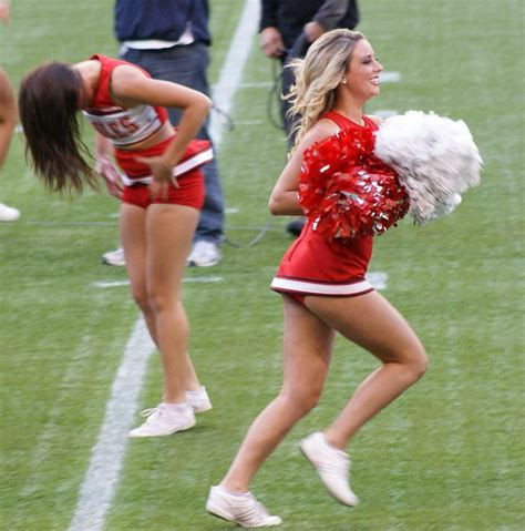 college cheerleader wardrobe malfunction eagles cheerleaders eagles cheerleaders
