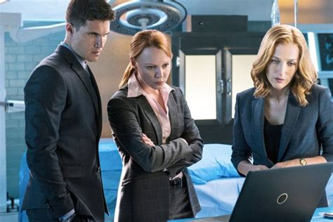 x files spinoff robbie amell and lauren ambrose to star the x files saison 11 robbie amell lauren ambrose et