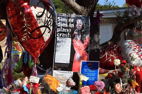 jenni rivera memorial touching tribute by family and fans jenni rivera s public memorial wednesday at gibson