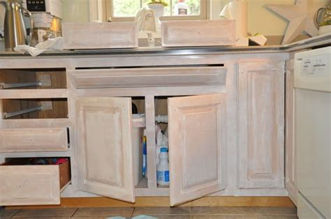 primer for painting kitchen cabinets this is valspar primer no sanding required kitchen