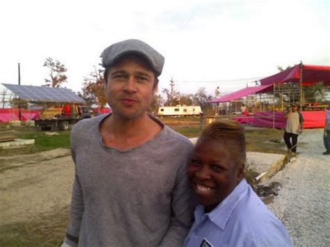 Brad In Nola by Brad Pitt S Make It Right To Build Houses For
