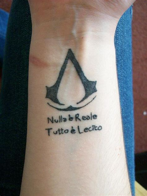 tattoo assassins jogo assassins creed tattoo nerd corner pinterest