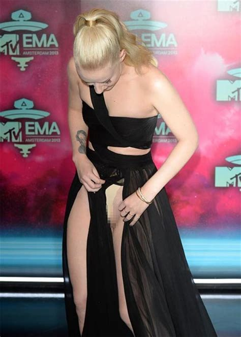 Wardrobe Malfunction Of iggy azalea ema wardrobe malfunction rap dose