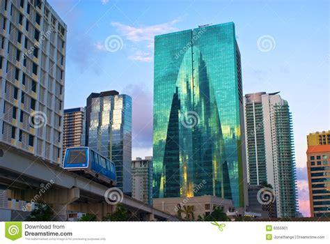 imagenes edificios miami edificios de oficinas de miami imagen de archivo imagen
