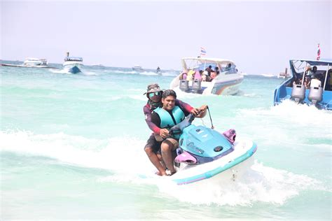 water scooter in pattaya incentive travel coral island parachute speed boat