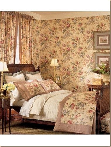 english cottage bedroom english country and cozy bedroom cozy little english