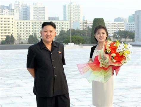 kim jong un wife bio kim jong un has a wife and she s alive 14 photos