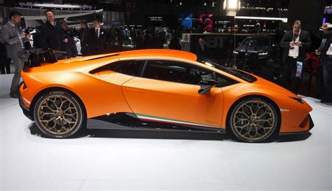 2 9s 201mph 2017 lamborghini huracan performante launch