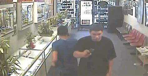 world s worst criminals get beaten by jewelry store