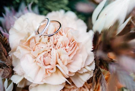 popular wedding flowers   shutterfly
