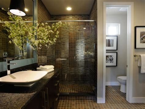 Emulating The Look Of Quarried Slate Porcelain Tiles Lead Hgtv Bathroom Design Ideas