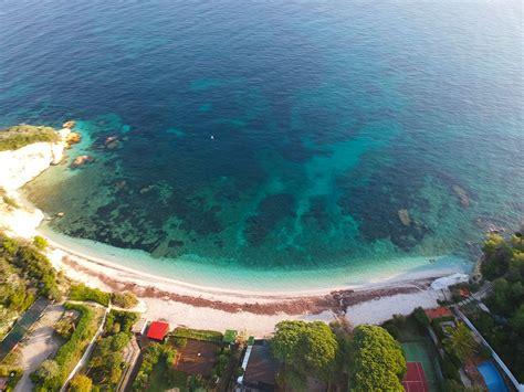 spiaggia delle ghiaie isola d elba isola d elba cosa vedere consigli per non perdere nulla
