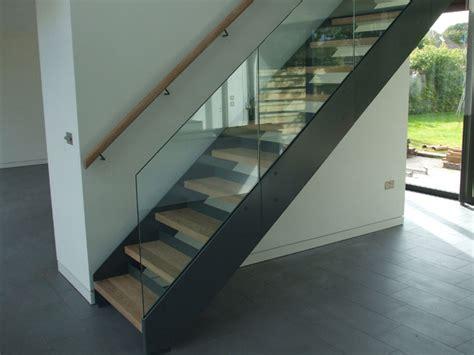 ringhiera di vetro 30 immagini di scale interne con ringhiere in vetro