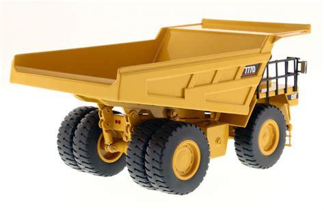 Diecast Automaxx Dump Truck 160 diecast masters caterpillar 777d highway dump truck