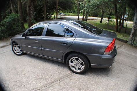purchase   volvo   sedan  door   geneva florida united states