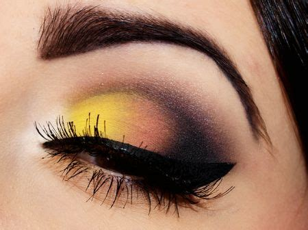 gratis libro easy on the eyes eye make up looks in 5 15 and 30 minutes para leer ahora yellow and black eyeshadow make up maquillaje amarillo maquillaje y maquillaje de ojos