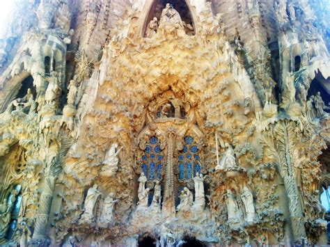 Barcelona part1: La Sagrada Familia   moco choco