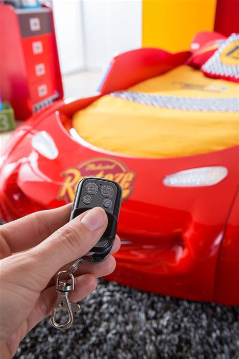 car möbel kinder autobett cars und cars m 246 bel bett kinderbett ebay