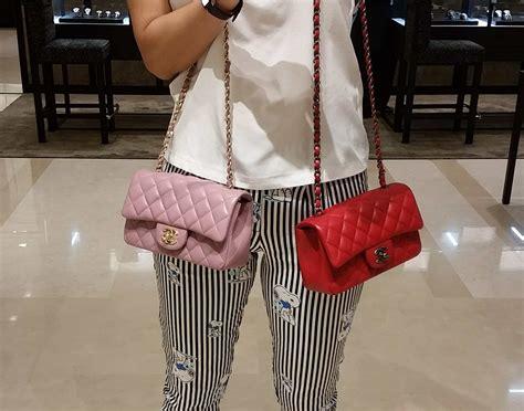 C H A N E L Mini Square Sling Bag Selempang Shoulder Kulit Handbag itty bitty chanel mini bags captured the hearts of