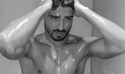 uomini nudi doccia uomini e donne gossip fabio colloricchio nudo su