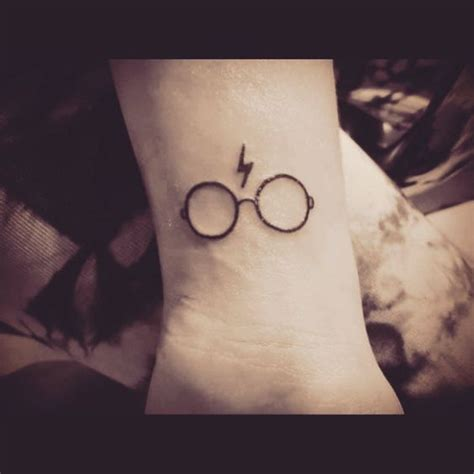 we are in love 10 perfect little tattoos for all you harry