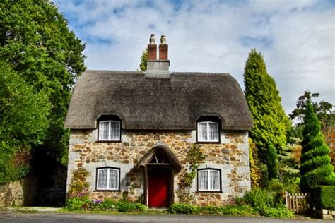 small english cottages english countryside cottage tells a story content in a