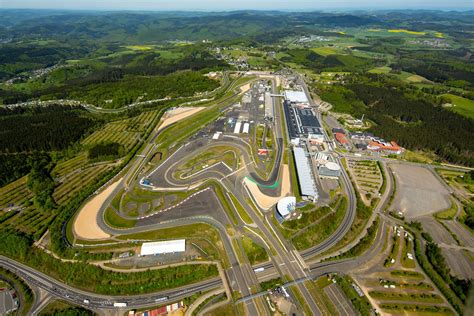 nürburgring how to drive the n 252 rburgring the world s most notorious