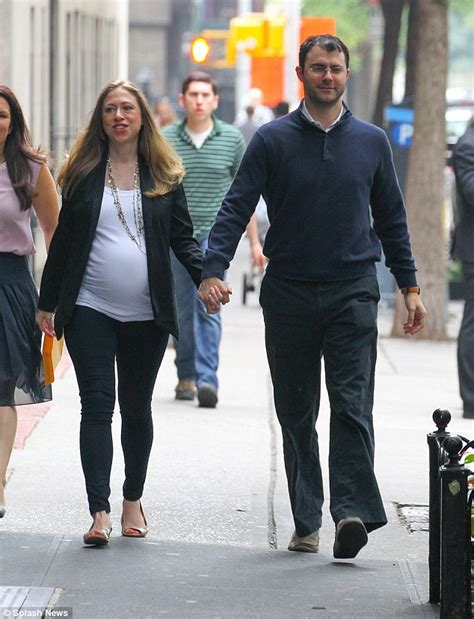 Chelsea Clintons Boyfriends In Prison For Fraud Scams by It S A Chelsea Clinton And Marc Mezvinsky Tonight