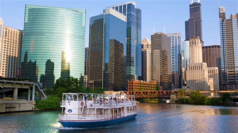 discounts on chicago architecture boat tour riverboat architecture tour from navy pier chicago expedia