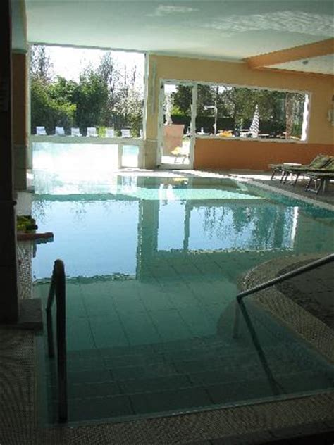 hotel con piscina termale interna ed esterna piscina interna ed esterna foto di hotel terme villa