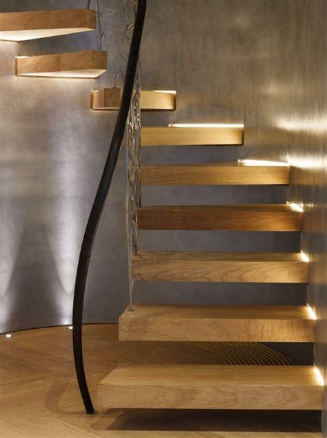 beleuchtung unter treppe 35 besten wendeltreppen bilder auf
