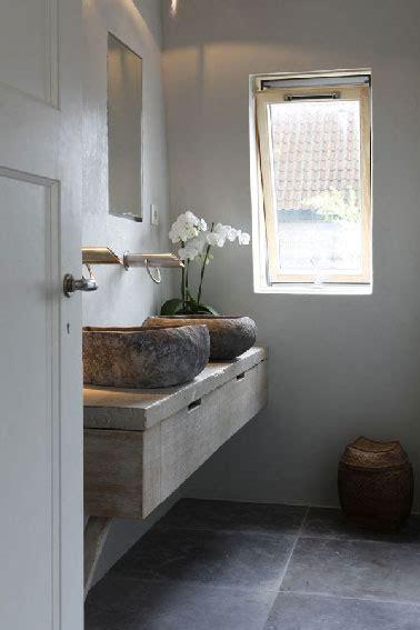 Ordinaire Peinture Etanche Salle De Bain #7: Plan-de-toilette-et-vasques-rondes-en-pierre.jpg