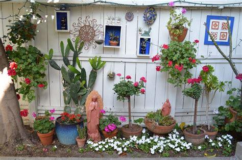 Mexican Garden Decor Pin By On Mexican Gardens Pinterest