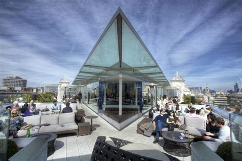 radio roof top bar radio bar terraces at me london picture of radio rooftop bar london tripadvisor