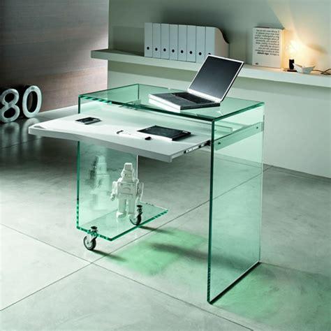 computertisch glas der computertisch aus glas wirkt sehr schick und