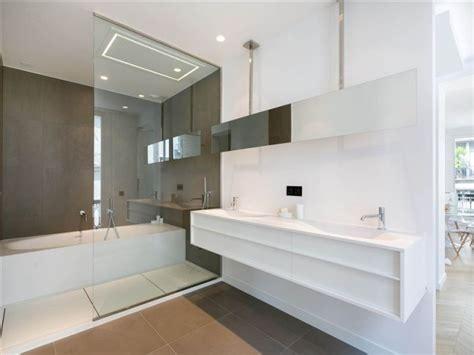 Salle De Bain Moderne Avec Baignoire by 101 Photos De Salle De Bains Moderne Qui Vous Inspireront