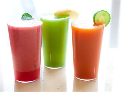 Detox Shaker by 10 Slimming Smoothie Recipes Time