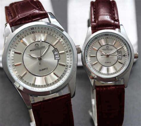 Longines Kulit jam tangan pria dan wanita bahan kulit dan canvas banyak