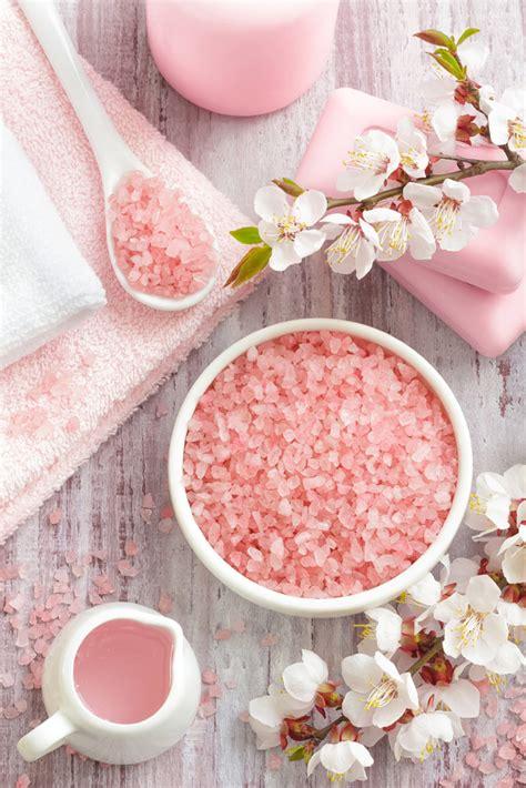 How Much Pink Himalayan Salt For Detox Bath by Himalayan Salt Bath Benefits Detoxify With Himalayan Salt