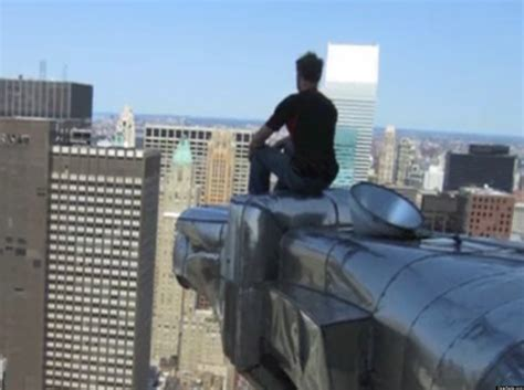 Chrysler Building Eagle by Moses Gates Goes Eagle Surfing On Nyc S Chrysler Building