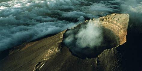 Rakyat Jawa Timur Jawa Gunung Bromo gunung bromo siaga aktivitas bromo terus meningkat ini