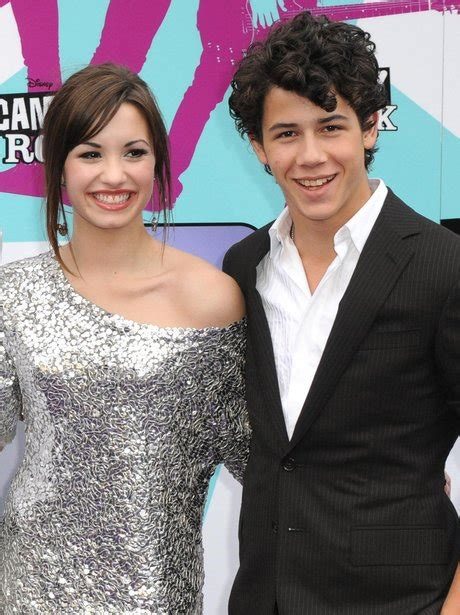 demi lovato feat nick jonas they d go as each others dates on the red carpet nick