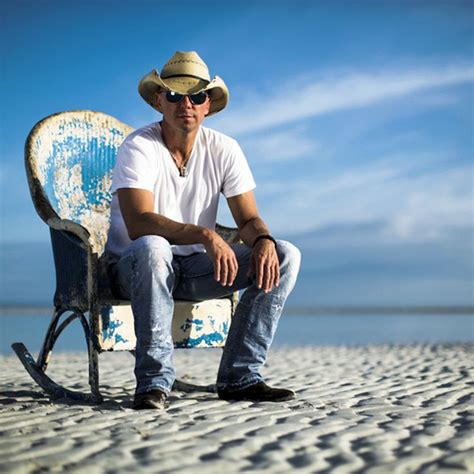 kenny chesney suns out guns out at kc tmzcom 1000 images about kenny chesney on pinterest image