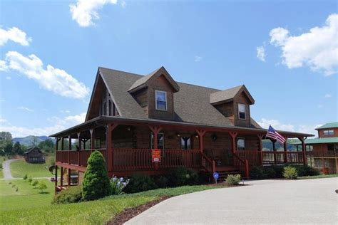 Chalets In Pigeon Forge Tn Fireside Chalets Cabin Rentals Pigeon Forge Tn