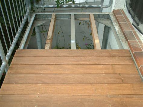 terrasse holzboden holzbelag f 252 r terrasse und balkon gemo service