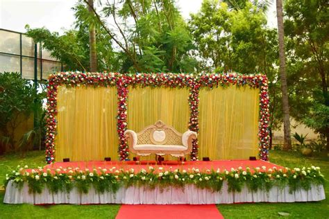 Simple Wedding Decorations For Home The Images Collection Of Exquisite Mandaps Decor Engagement Engagement Stage Decorations Stages