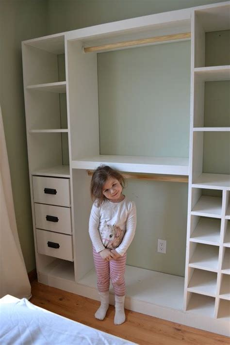 Easy Closets Installation by 17 Best Ideas About Standing Closet On Easy