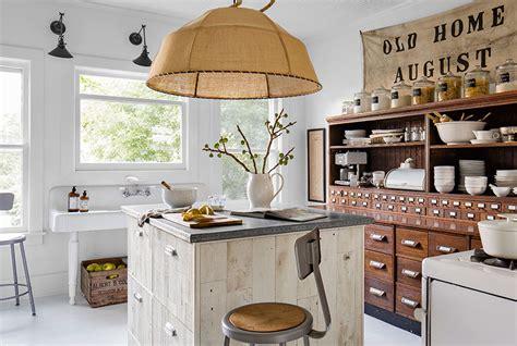 bloombety old cream country kitchen design old country vm designblogg κατοικία στη νέα υόρκη