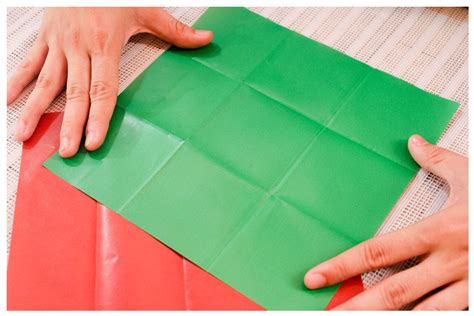 How to Fold a Square of Paper Into Thirds: 12 Steps A-paper